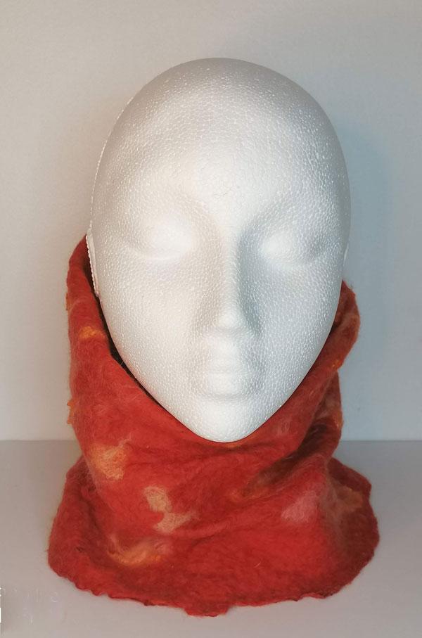 Numo-merino-wool-and-silk-cowl--Valerie-Evans